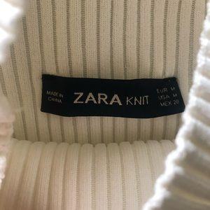 Zara Sweaters - Zara knit short sleeve turtle neck & black lining